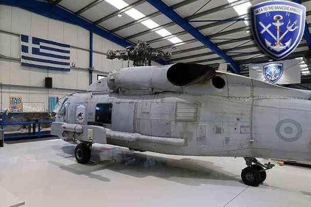 S-70B6-Hellenic-Navy-Aeroservices-3-696x463