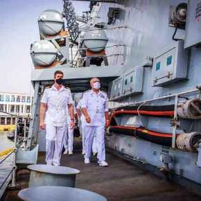 Φρεγάτες: Ο Αρχηγός ΓΕΝ συνάντησε τον Βρετανό Ναύαρχο στονΠειραιά