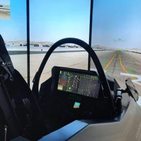 "DEFEA και F-35: ""Πετάξαμε"" με το προηγμένο Cockpit Demonstrator και μεταφέρουμε τιςεντυπώσεις!"