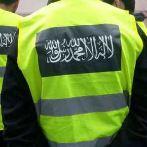 Έχει χαθεί κάθε έλεγχος! «Ισλαμική αστυνομία» κακοποιεί μουσουλμάνα στο κέντρο τηςΑθήνας