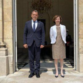 Συνάντηση ΥΕΘΑ με την ΥΠΑΜ της Γαλλίας στο Παρίσι(ΦΩΤΟ)