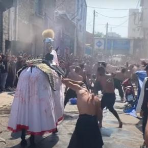 Τα νέα »έθιμα» της πολυπολιτισμικότητας – Σιίτες Moυσουλμάνοι αυτομαστιγώθηκαν στο κέντρο τουΠειραιά