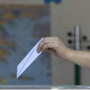 Δημοσκόπηση: Διψήφιο προβάδισμα της ΝΔ – Yπέρ της ελληνογαλλικής συμφωνίας η πλειοψηφία τωνπολιτών